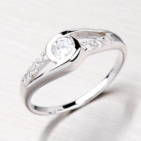 Prsten se zirkony ze stříbra TR8491