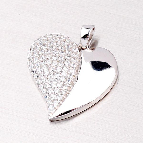Stříbrný přívěsek ve tvaru srdce AP061
