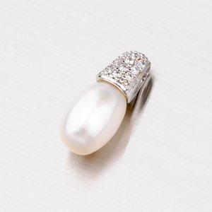 Stříbrný přívěsek s perlou a zirkony PXX01140112