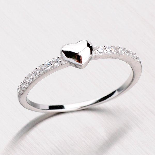 Stříbrný prsten se srdíčkem a zirkony RXX04140140