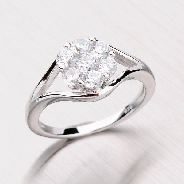 Stříbrný prsten se zirkony RXC07150167