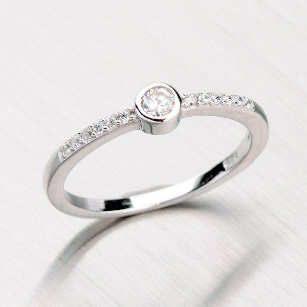 Stříbrný prsten se zirkony RXC18150002