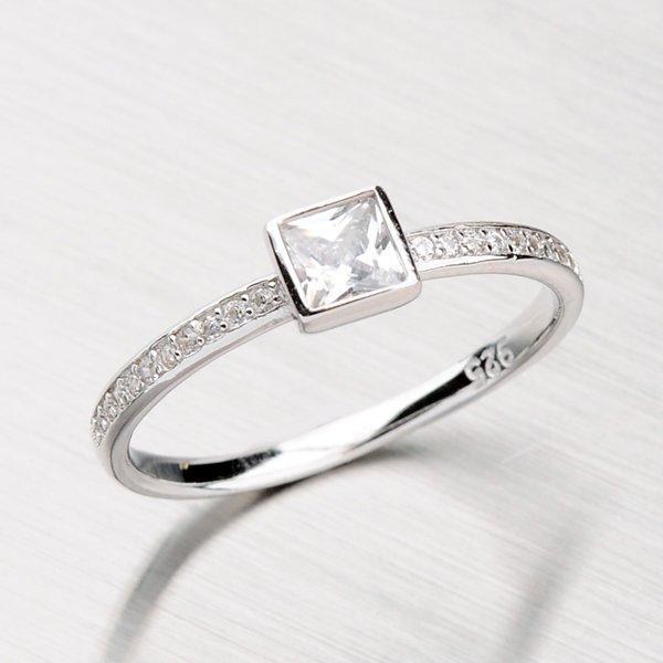 Rhodiovaný prsten ze stříbra se zirkony RXC15140057ZIR