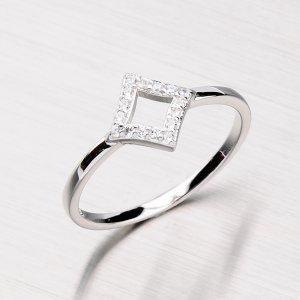 Stříbrný prsten se zirkony RXC04140187
