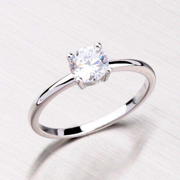 Stříbrný prsten se zirkonem RXE07150268