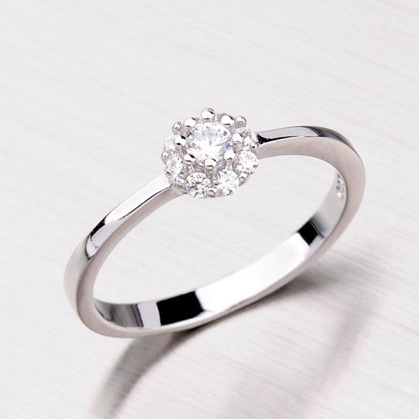 Stříbrný prsten se zirkony RXB09160016