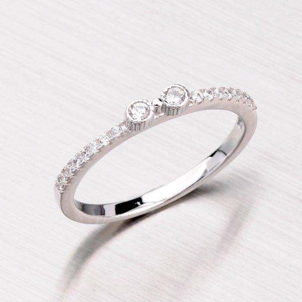Prsten se zirkony ze stříbra RXC04140181