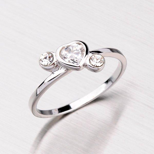 Stříbrný prsten se srdíčky SR38130101