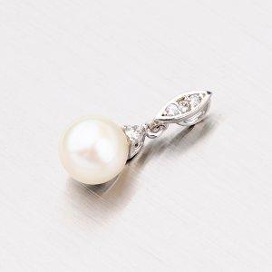 Přívěsek s perlou z bílého zlata 115-4110