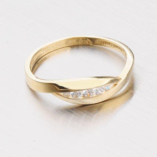 Zlatý prsten 181-0225