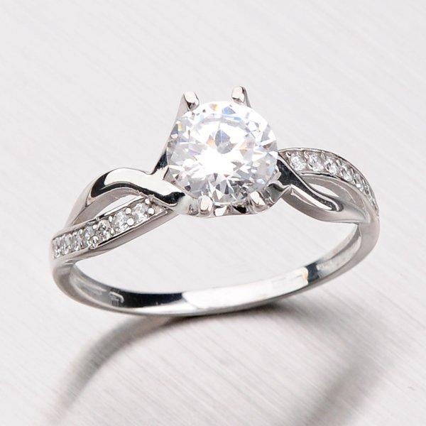 Prsten z bílého zlata se zirkony 456-5065
