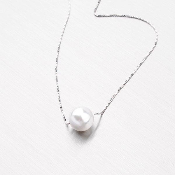 Stříbrný náhrdelník s perlou 10 mm YNG5029