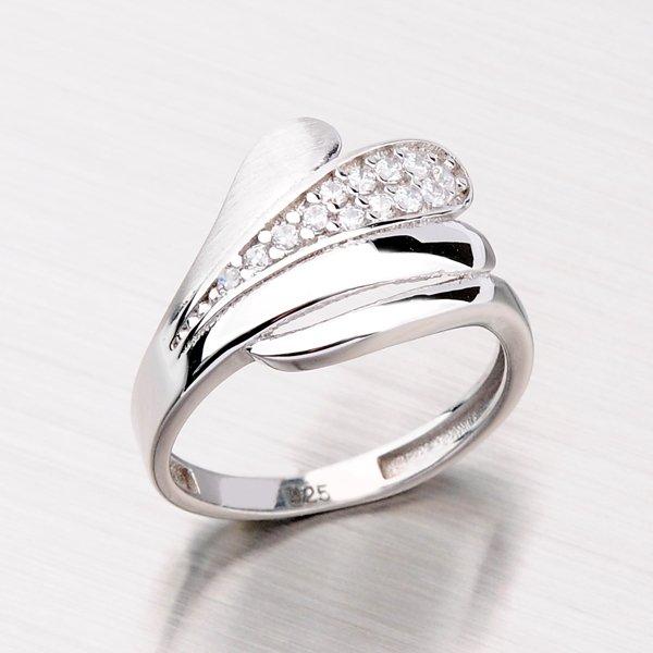 Stříbrný prsten se zirkony HK-513-OKS