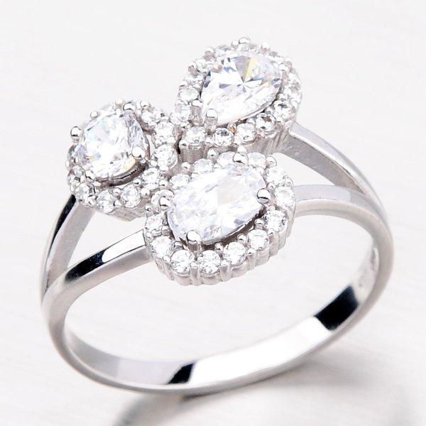 Prsten z bílého zlata se zirkony 11-083