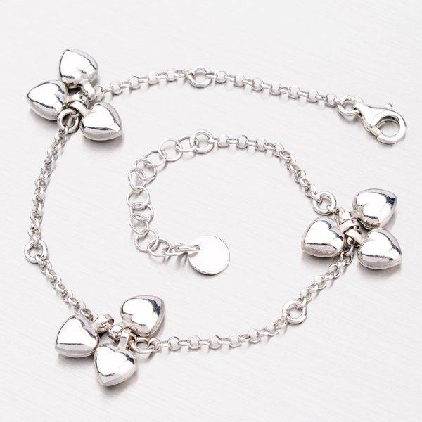 Stříbrný náramek s decentními srdíčky B1602542-0863