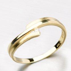 Zlatý prsten s lesklou a matnou povrchovou úpravou DZ2000-ZL
