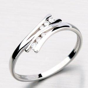 Zlatý prsten zdobený zirkony DZ1950-B