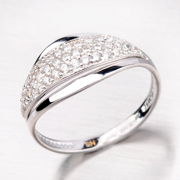 Prsten z bílého zlata se zirkony 41-NR55B