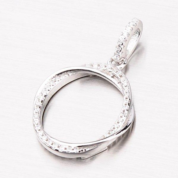 Stříbrný kruhový přívěsek se zirkony P1500873-1905-SLX