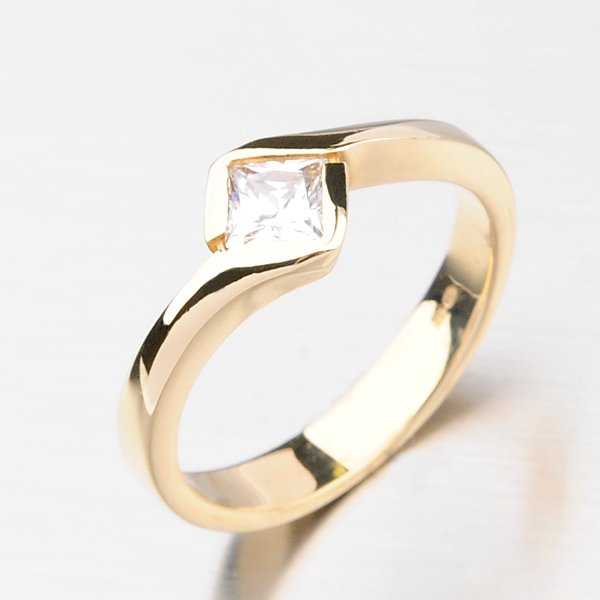 Dámský prsten ze žlutého zlata DZ1977ZL
