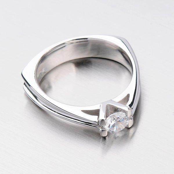 Krásný prsten se zirkony DZ1992B