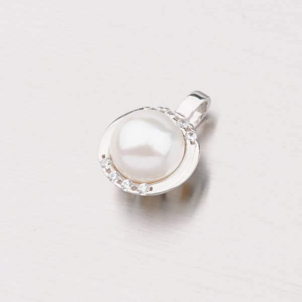 Stříbrný přívěsek s perlou YNG3071