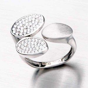 Stříbrný prsten se zirkony HK-5000-OKS