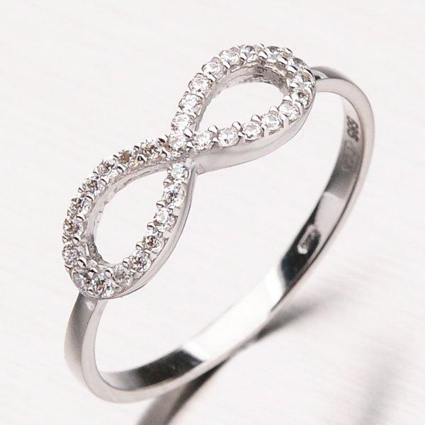 Prsten z bílého zlata se zirkony 11-187