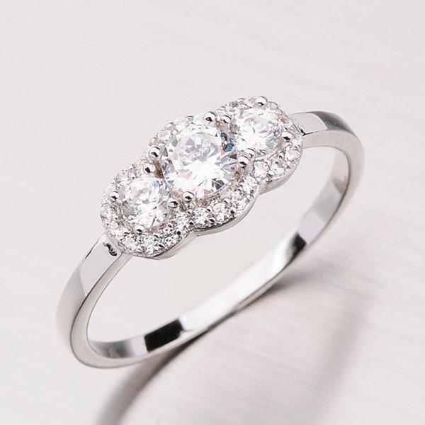 Zářivý stříbrný prsten se zirkony RXX09180062