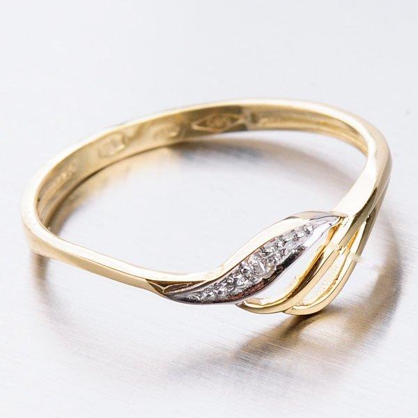 Zlatý prsten se zirkony 41-NF44
