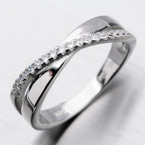 Stříbrný prsten se zirkony GST-11363