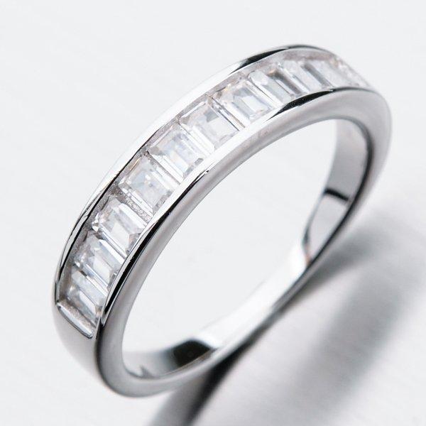 Stříbrný prsten se zirkony GST-11242