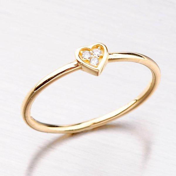 Zlatý prsten se zirkony 31-004