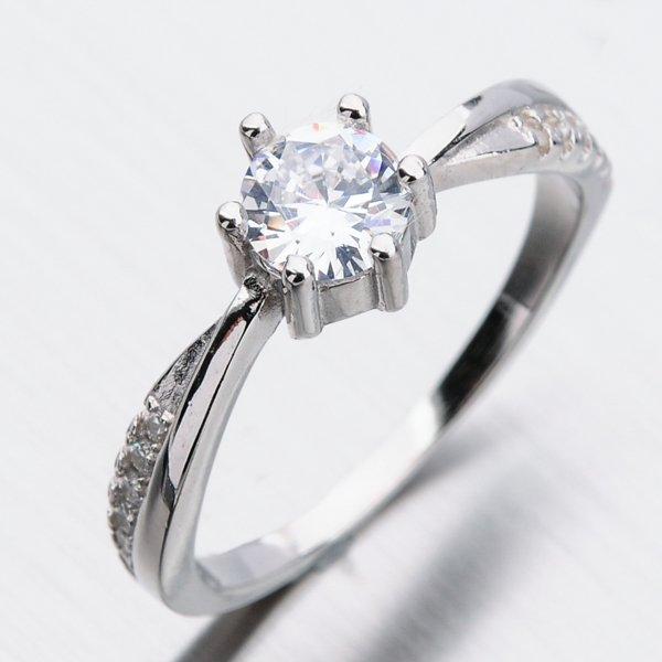 Stříbrný prsten se zirkony GST-11304
