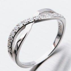 Stříbrný prsten se zirkony GST-11228