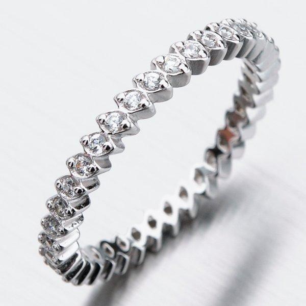 Stříbrný prsten se zirkony GST-11376