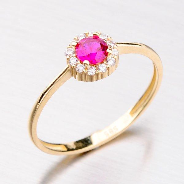 Zlatý prsten se zirkony a rubínem 31-003