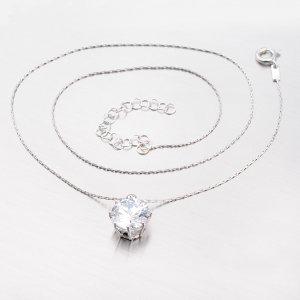 Stříbrný náhrdelník se zirkonem v korunce MCOLLIER-80