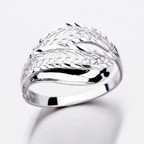 Zlatý dámský prsten 11-307