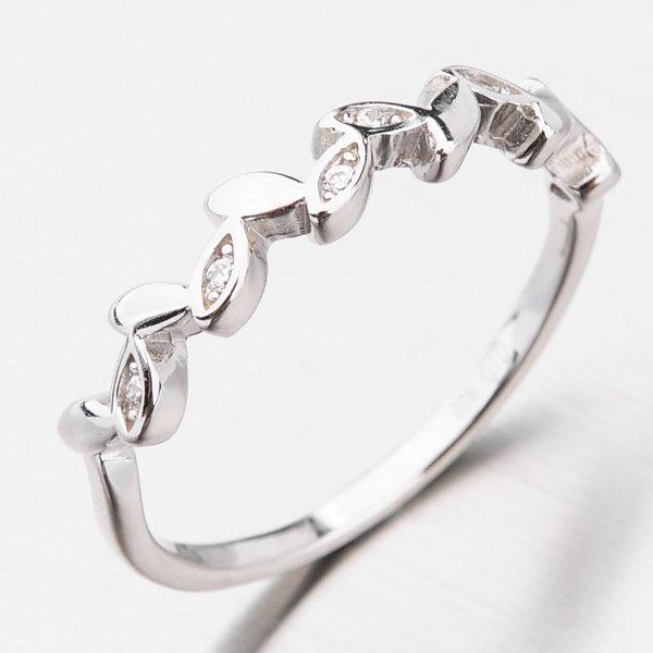 Stříbrný zdobený zirkony GST-11389