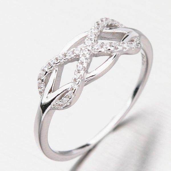 Stříbrný prsten se zirkony GST-11428