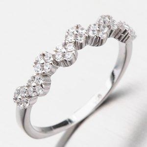 Stříbrný prsten zdobený zirkony GST-11390