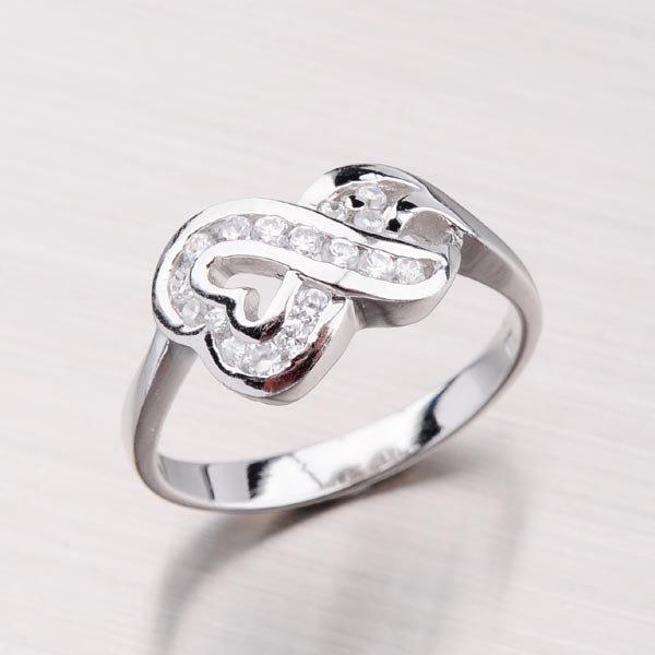 Rhodiovaný prsten se zirkony 51004