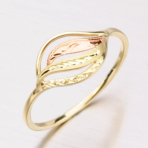 Zlatý prsten 51P-171