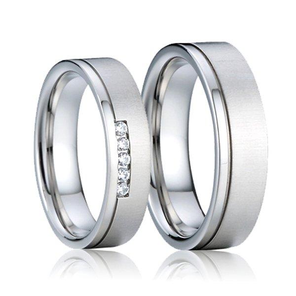Ocelové snubní prsteny se zirkony SP-7012