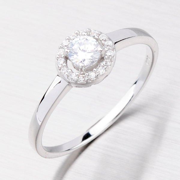 Stříbrný prsten s hlavním zirkonem AR082