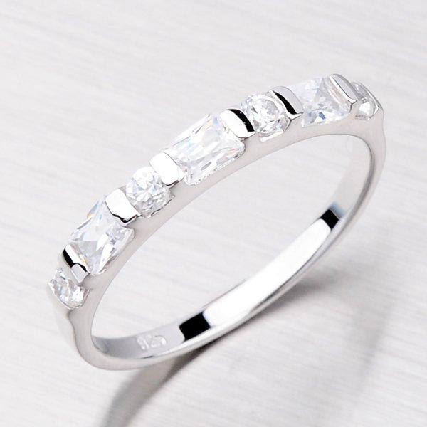 Stříbrný prsten se zirkony TR0094