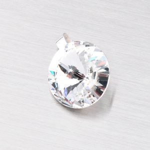 Přívěsek s čirým krystalem 10 mm D119B