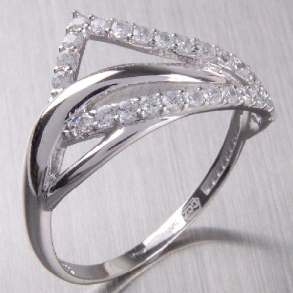 Zlatý prsten se zirkony 1-307